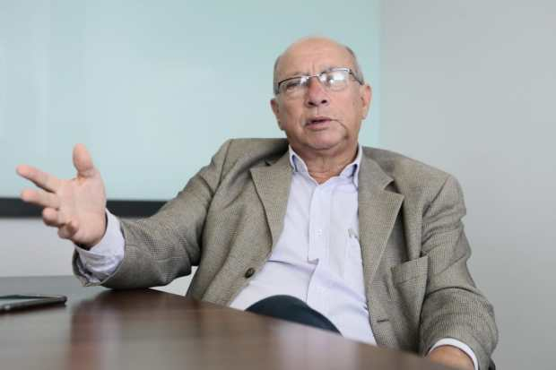 """""""Não podemos ser cobaias"""", diz presidente do Sindilojas sobre escalonamento no trânsito de Goiânia"""