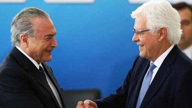 Ex-presidente Michel Temer e ex-ministro Moreira Franco foram presos na estrada