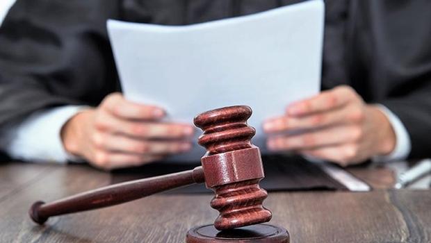 Juiz decreta sentença sobre fim de união estável em forma de poema. Veja decisão