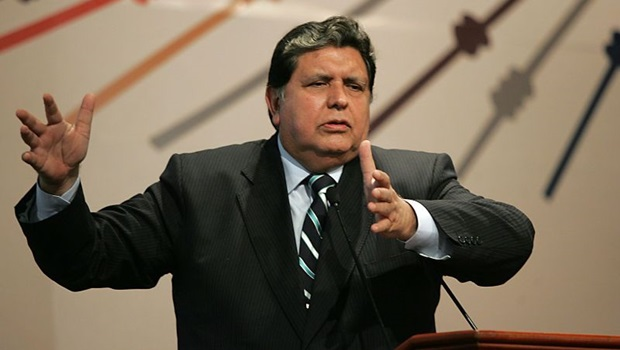 Ex-presidente do Peru atira na própria cabeça ao receber ordem de prisão