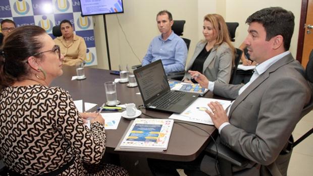 Reitor debate melhorias da Unitins com senadora Kátia Abreu