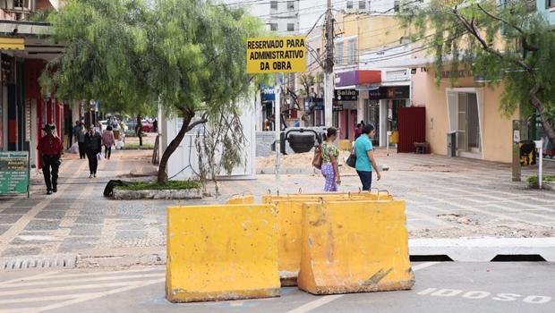 Comerciantes da Rua do Lazer temem que obra não seja concluída dentro do prazo