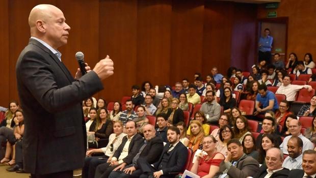 Leandro Karnal ministra palestra para gestores no Sesc Cidadania
