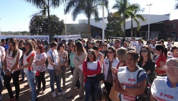Com possibilidade de greve, servidores da Saúde realizam manifestação no Paço nesta segunda