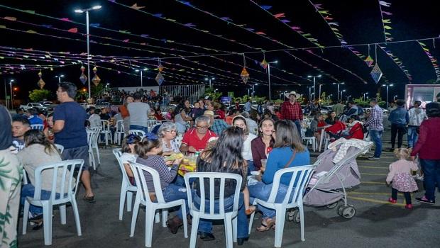 1º Arraiá de Aparecida registra mais de 200 pessoas na abertura