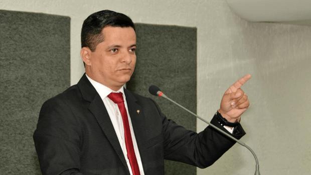 Jorge Frederico comemora sanção da Lei que prevê fim da taxa de religação de água e energia