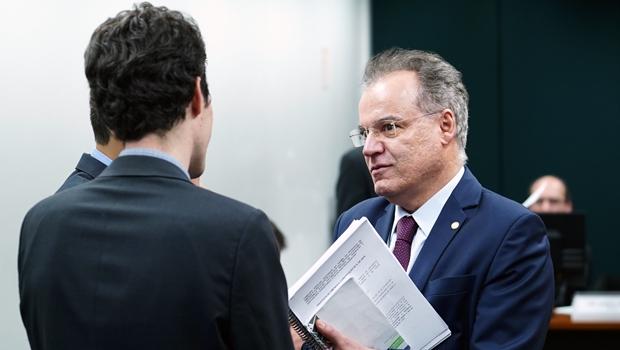 Governo e aliados articulam pela manutenção de Estados e municípios na reforma da Previdência