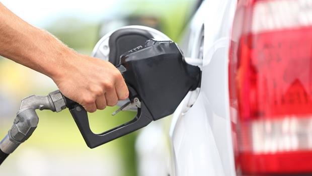 Preço da gasolina aumenta após 12 de semanas de queda