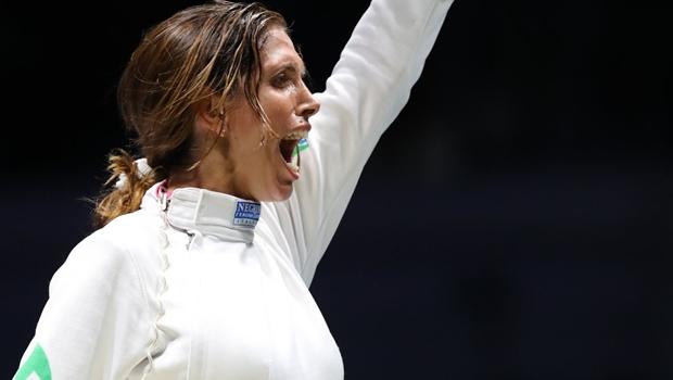 Brasileira conquista primeiro lugar em Mundial de esgrima