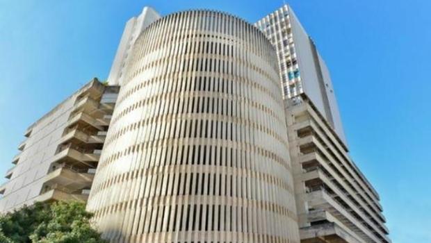 OAB-GO e PM investigam servidor público suspeito de exercer ilegalmente a advocacia
