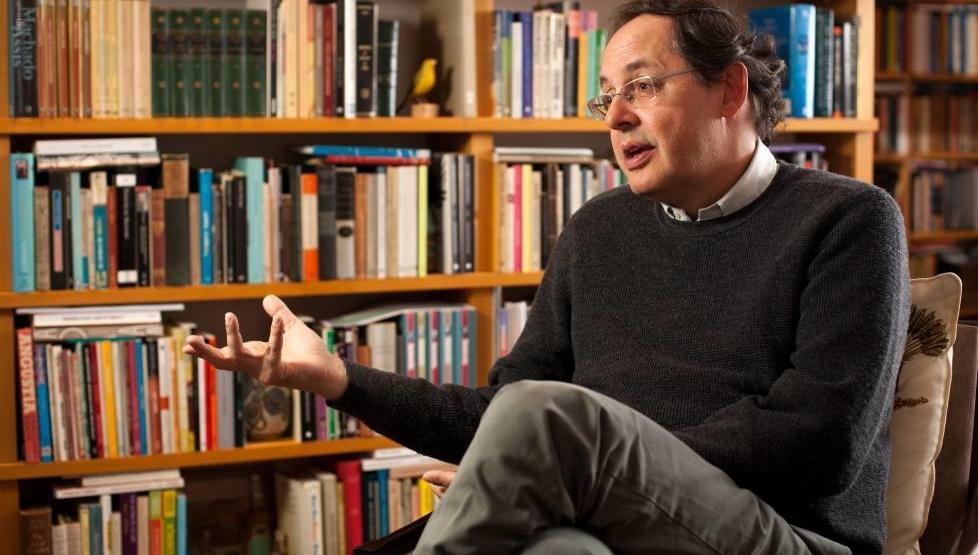 O economista-filósofo Eduardo Giannetti e a utopia do vira-lata