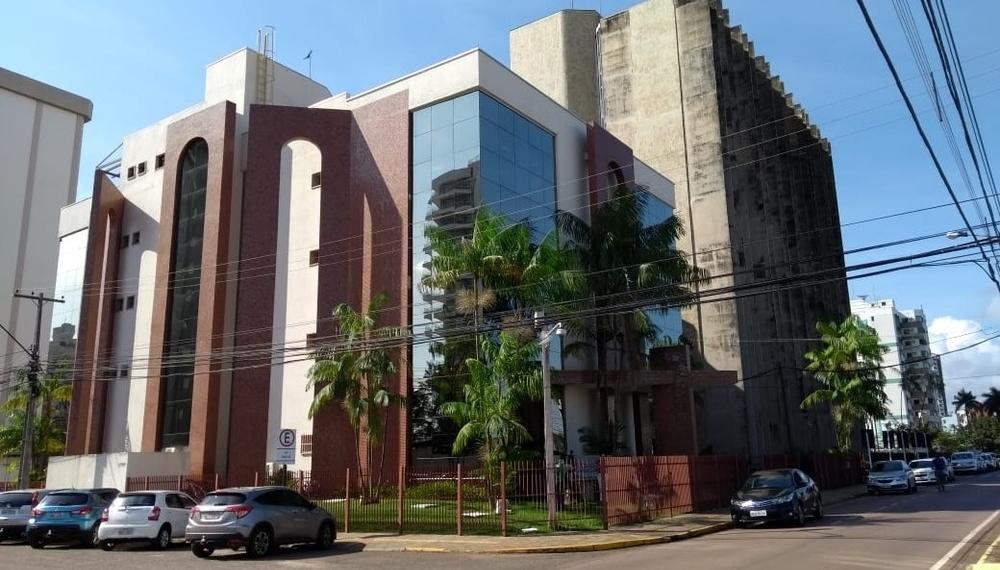 2 tribunais, 2 pesos, 2 medidas