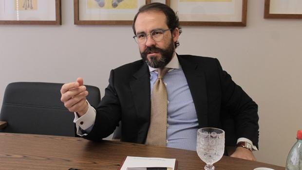 """""""A Enel investiu em 30 meses quatro vezes mais do que o Estado investiria na Celg"""""""