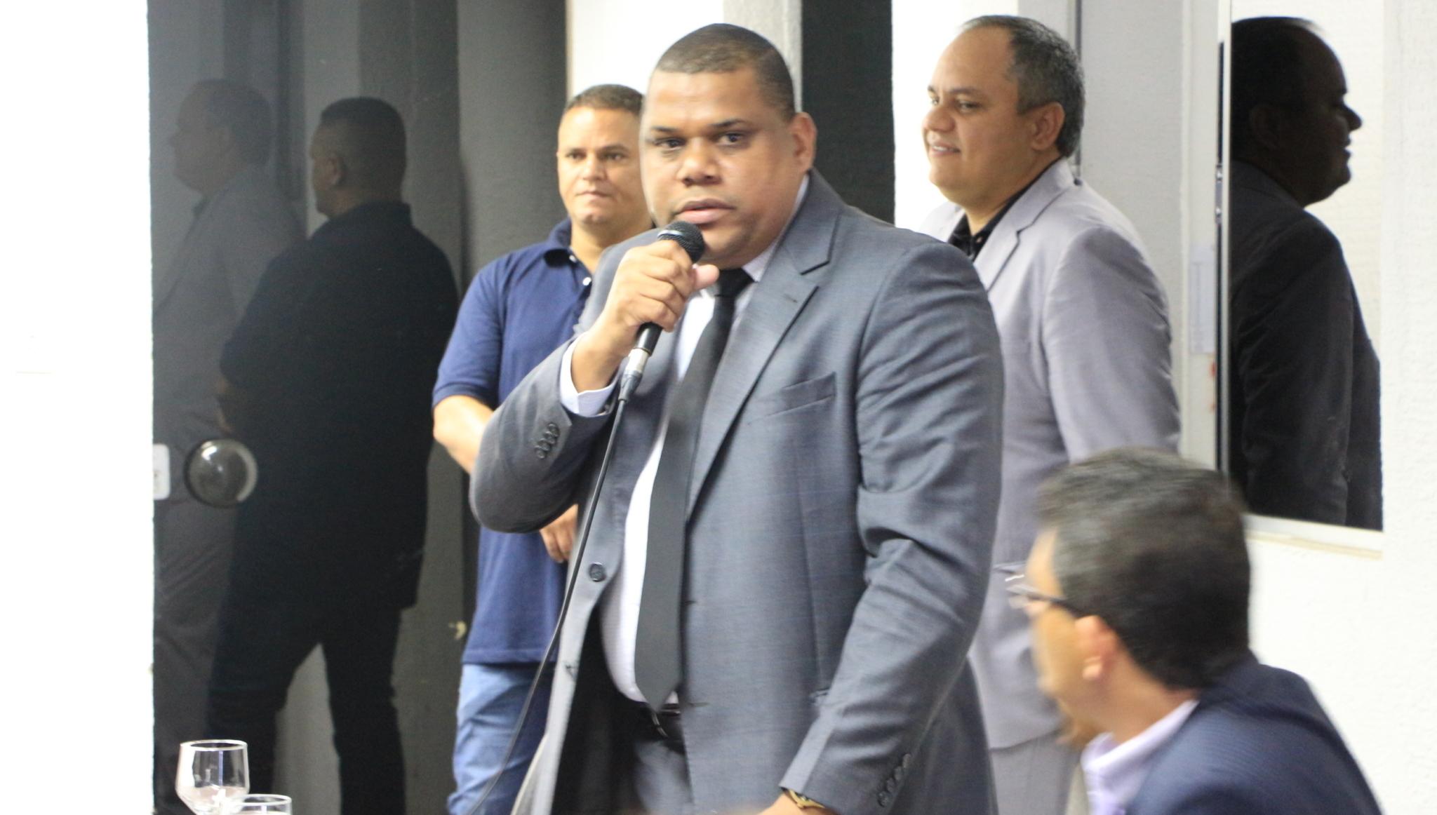 Neto do compositor Cartola vai ser candidato a vereador em Goiânia. Pode substituir Rogério Cruz