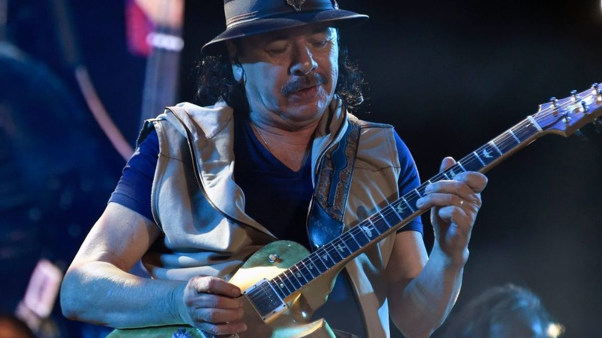 Santana mesmeriza público nos 50 anos de aniversário de Woodstock