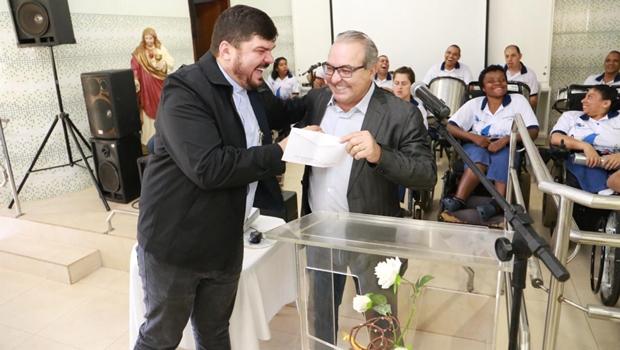 Jânio Darrot lança campanha para ajudar vila São Cottolengo