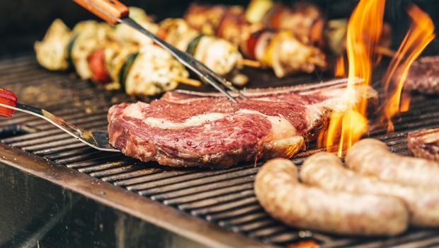 Lista e dicas para um churrasco caseiro impecável