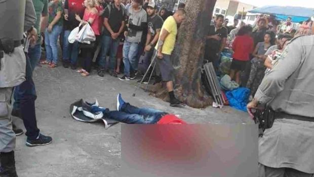 Homem é assassinado no centro de Goiânia durante a tarde desta quarta-feira