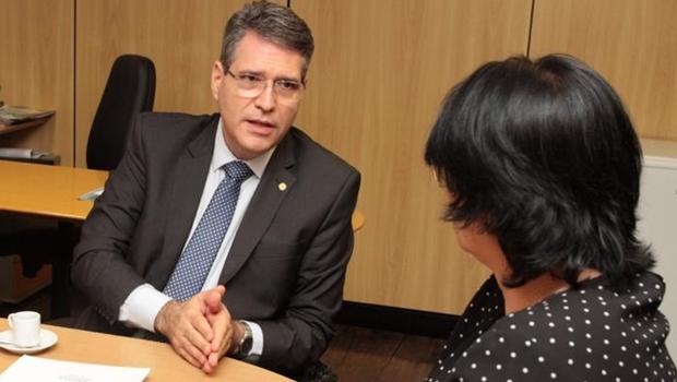 Em reunião com Damares Alves, Francisco Jr. pede apoio às entidades sociais de Goiás