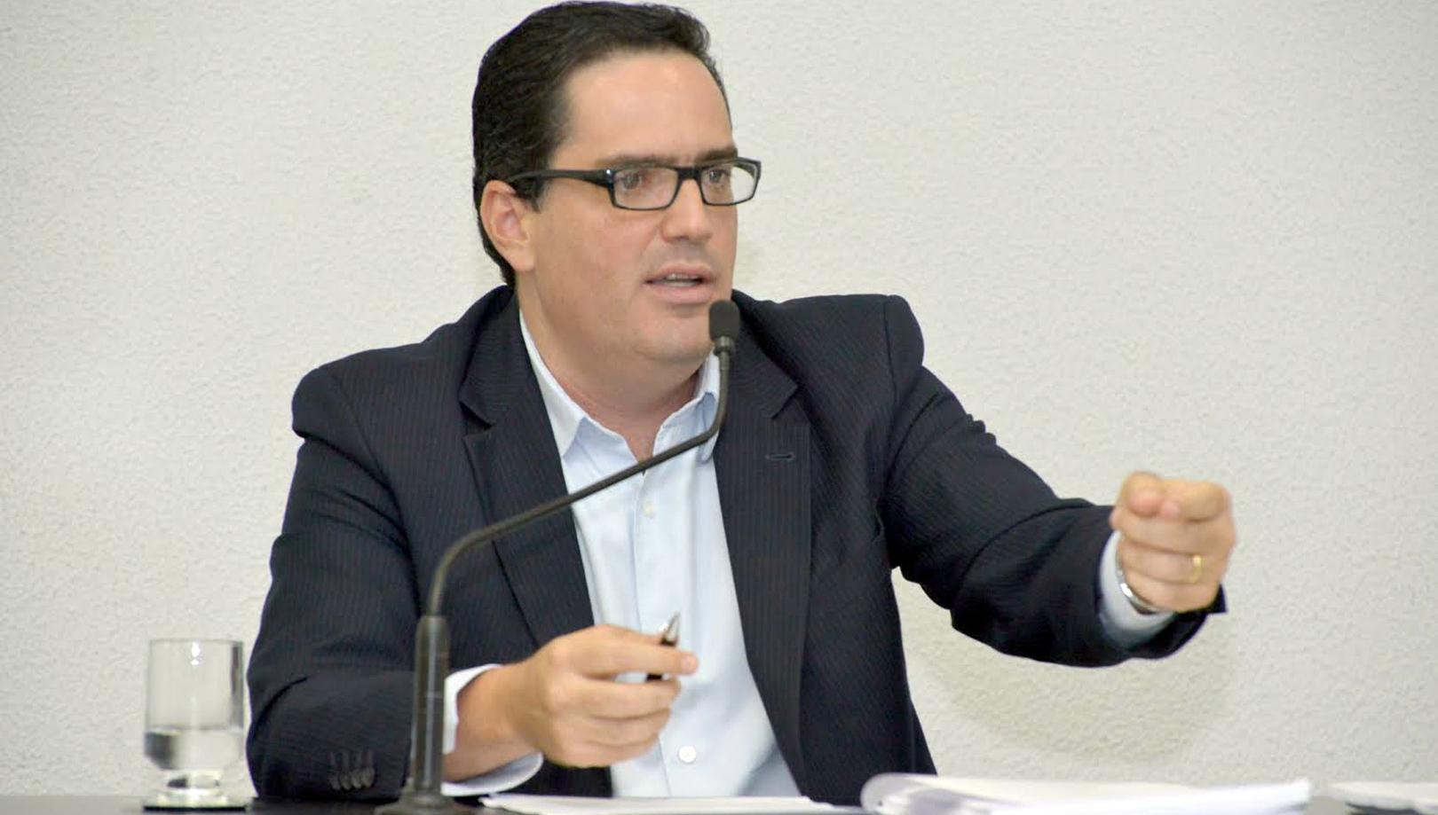 Doutor em História lança livro sobre a trajetória do Ministério Público rumo à meritocracia
