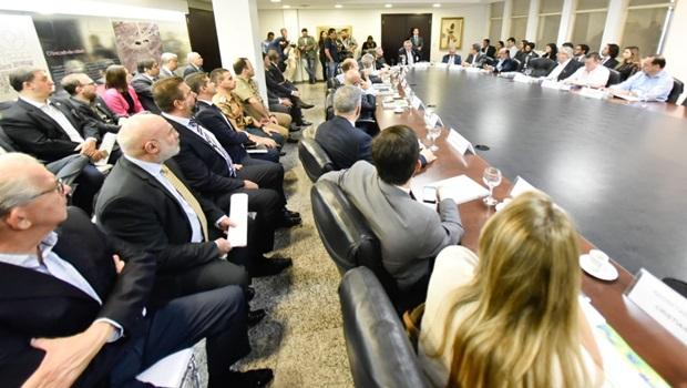 Bancada goiana se reúne para discutir sugestões de emendas apresentadas por Caiado