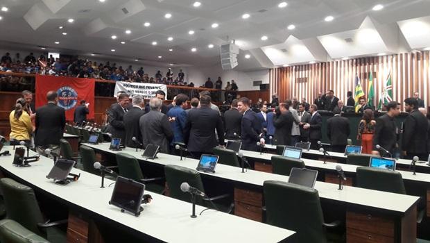 Dois projetos que alteram Código Tributário em Goiás são aprovados