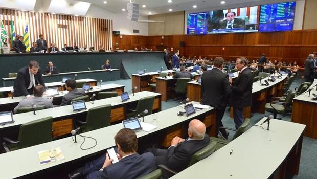 Após ser emendado em plenário, venda das ações da Saneago tem pedido de vista na CCJ