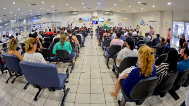 Caiado amplia agendamento online do Vapt-Vupt para mais dez cidades