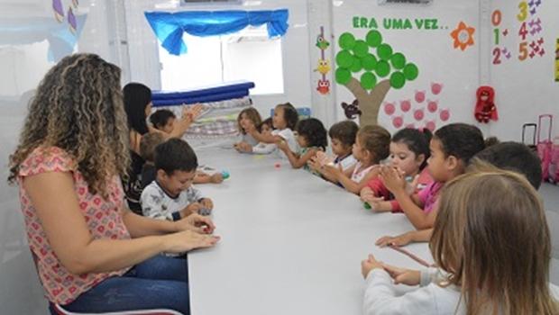 Mães de baixa renda poderão ter auxílio creche prevê projeto de governo de Samuel Almeida