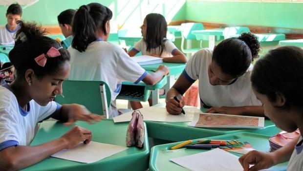 Mais de 85% dos municípios goianos ainda não têm protocolo para retomada das aulas presenciais
