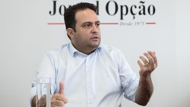 Anápolis não precisa ser isolada, diz prefeito Roberto Naves