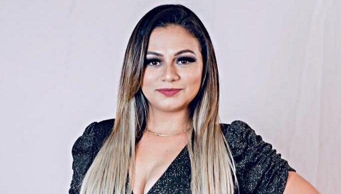 Cantora de forró morre durante show no Piauí