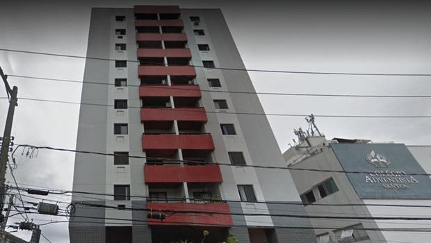 Elevador cai e mata quatro da mesma família, em Santos