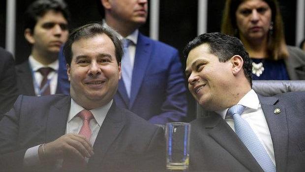 Gilmar Mendes e Toffoli votam para liberar reeleição de Alcolumbre e de Rodrigo Maia