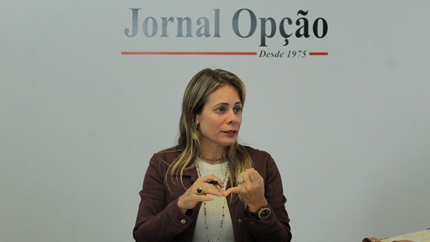 Cristiane Schmidt defende redução do custo Goiás em evento da Fieg