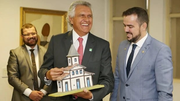 """Quero que me tenha como aliado"", diz Caiado a Gustavo Mendanha"