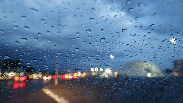 Cimehgo alerta para chuvas fortes e rápidas durante a semana em Goiás