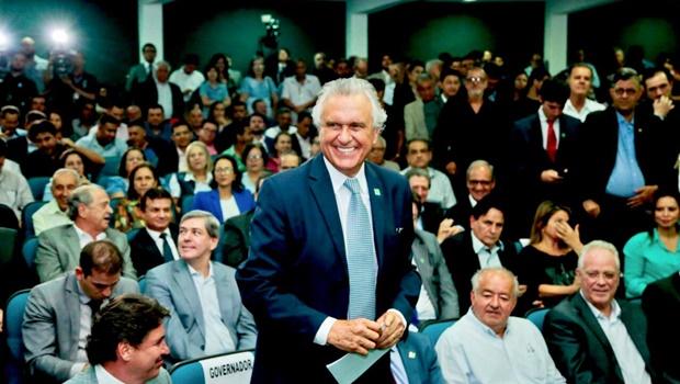 Governador assina intenção de vinda de 43 empresas ao estado