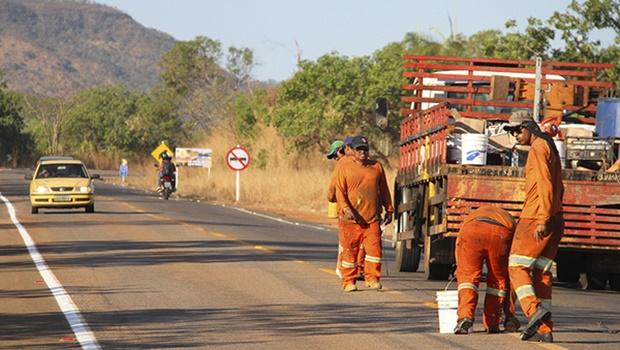 Manutenção e recuperação de estradas e rodovias é intensificado após chuvas