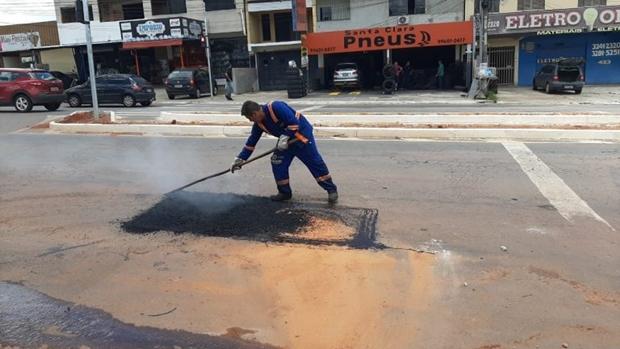 Operação tapa-buracos continua em Goiânia