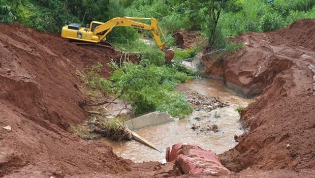 Obras de recuperação de erosão na GO-070 tem início