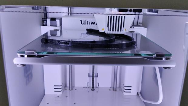 Pesquisa usa impressora 3D para ajudar no combate do coronavírus