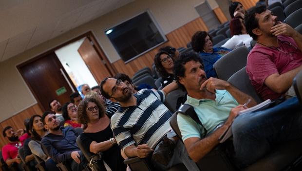 Professores da UFG aprovam adesão à Greve Geral