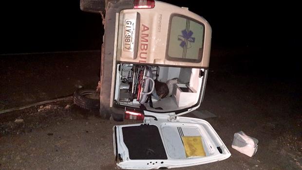 No dia da mulher, gestante e bebê morrem em acidente a caminho do hospital