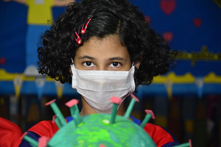 OMS alerta que há crianças entre mortos por coronavírus
