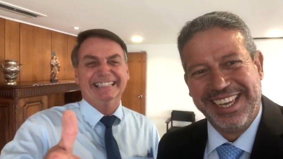 Bolsonaro diz que influencia eleição para ter relacionamento positiva com a Câmara dos Deputados
