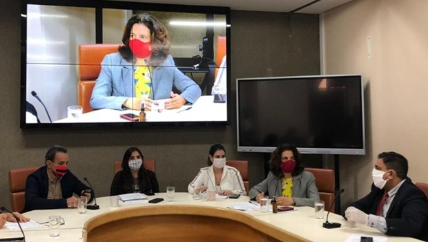 CCJ aprova decreto legislativo que susta suspensão de contratos temporários da prefeitura