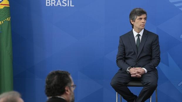 Ministro da Saúde se mostra surpreso com decreto de Bolsonaro que ...