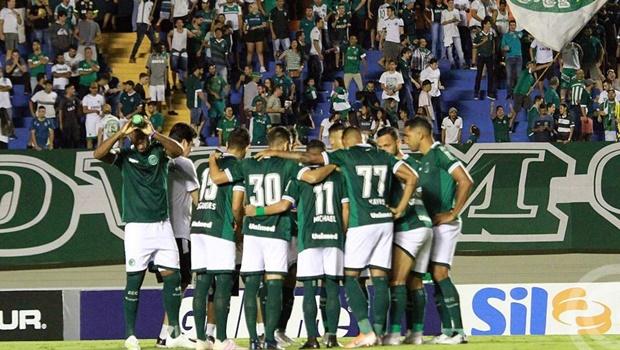 Após 10 jogadores testarem positivo para a Covid-19, Goiás tenta adiamento da partida contra São Paulo