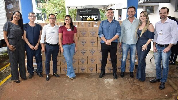 HDT recebe 10 mil frascos de álcool em gel doados durante live de Gusttavo Lima